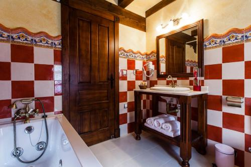 Superior Double Room Hotel Spa Casona La Hondonada 20