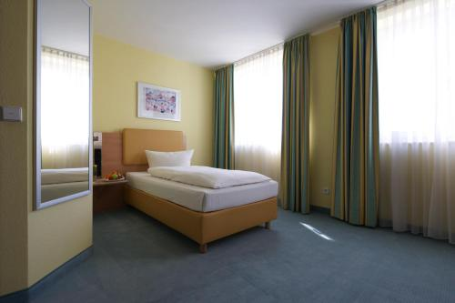 IntercityHotel Düsseldorf photo 29