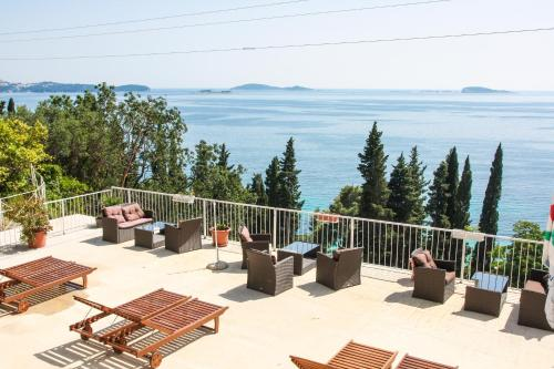 Standard Studio Apartment with Balcony and Sea View