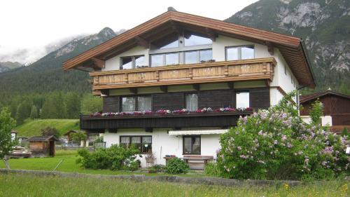 Haus Karwendelblick - Accommodation - Leutasch