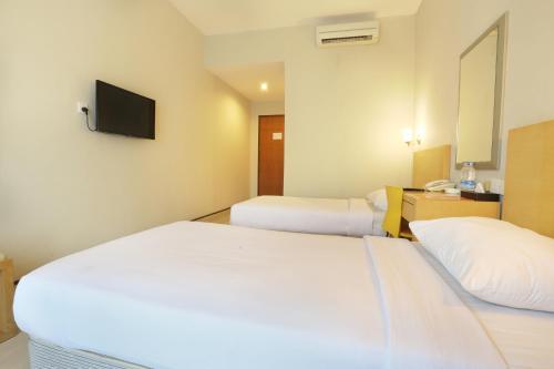 Triniti Hotel Batam photo 13