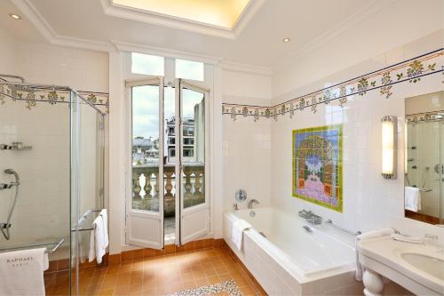Hôtel Raphael photo 18