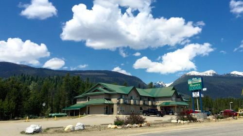 . Glacier Mountain Lodge