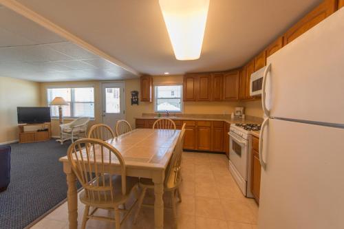 Mark I Beach House - Wildwood Crest, NJ 08260