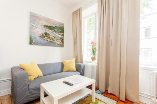 ApartDirect Sveavägen photo 60