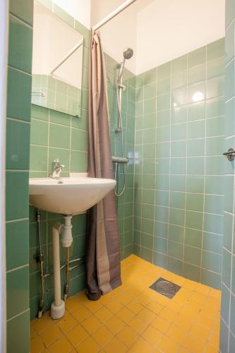 ApartDirect Sveavägen photo 68