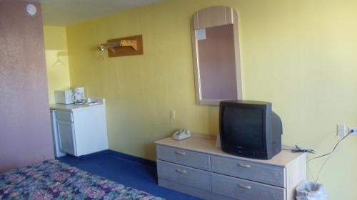 Eastwood Motel - Columbia, MO 65201
