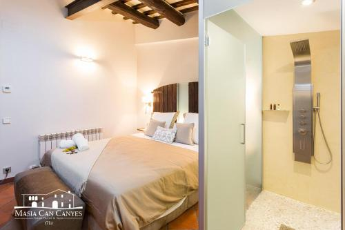Deluxe Suite mit Queensize-Bett Masia Can Canyes & Spa 10