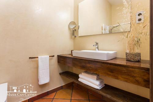 Habitación Doble Masia Can Canyes & Spa 5