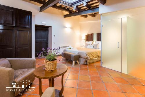 Deluxe Suite mit Queensize-Bett Masia Can Canyes & Spa 8