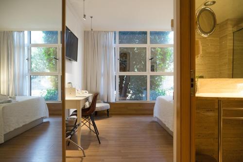 Vilana Hotel photo 18