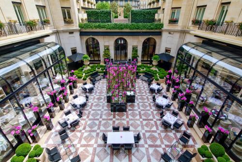 Four Seasons Hotel George V Paris photo 30