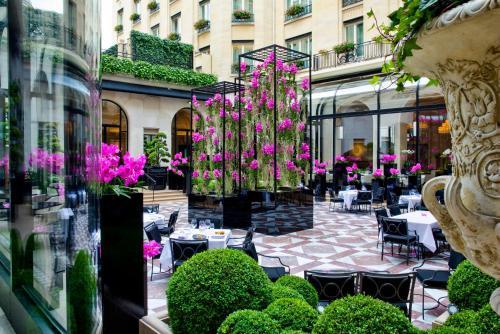 Four Seasons Hotel George V Paris photo 33