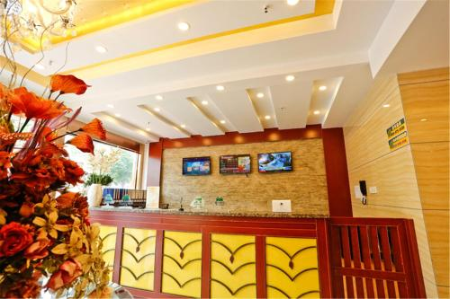 . GreenTree Inn Anhui Fuyang Yijing International North Door Busniess Hotel