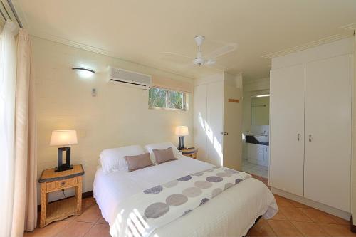Фото отеля Bargara Shoreline Apartments