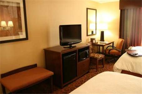 Hampton Inn And Suites New Castle - New Castle, PA 16101