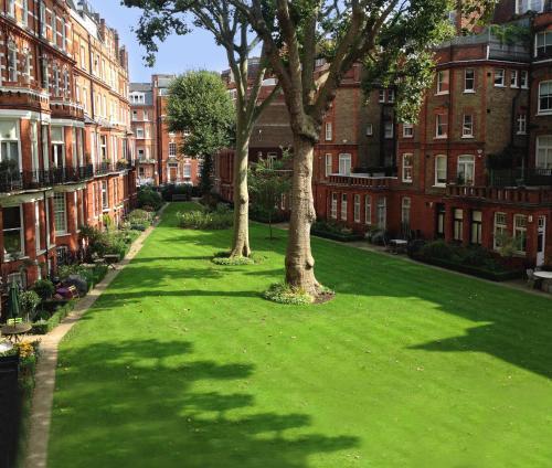 22-28 Egerton Gardens, London SW3 2DB, England.