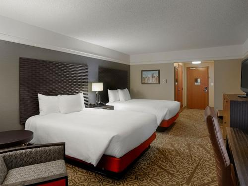 DoubleTree by Hilton San Francisco Airport North - Brisbane, CA CA 94005