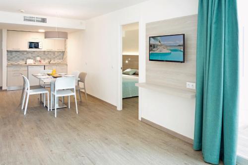 Hsm Sandalo Beach Hotel Majorca Deals Photos Reviews
