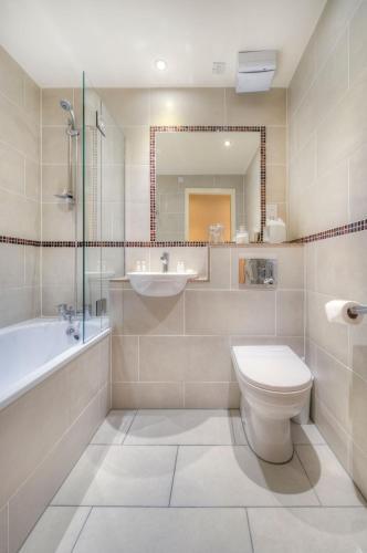 Holyrood Aparthotel photo 35