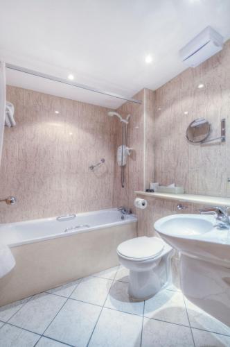 Holyrood Aparthotel photo 39