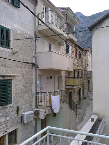 Apartments Jakova Dudana 10, 21300 Makarska