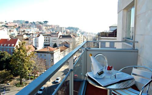 Lisbon City Hotel - Photo 7 of 51