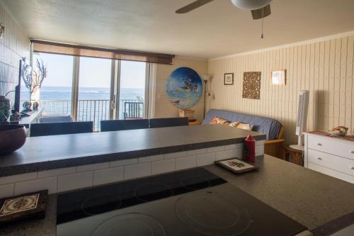 Paradise Beachfront Dolphin 604 - Hauula, HI 96717