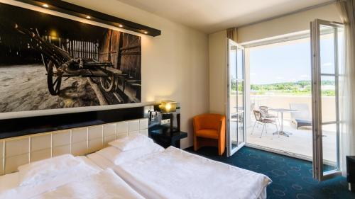 Superior Deluxe Double or Twin Room with Balcony