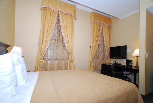 Baltimore Plaza Hotel - Baltimore, MD 21202