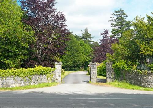Caer Rhun Hall, Conwy LL32 8HX, Wales.