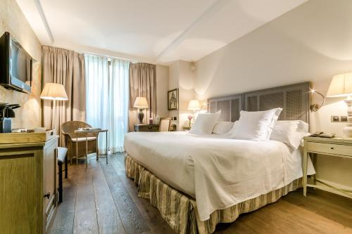 Double Room Grand Hotel Don Gregorio 13