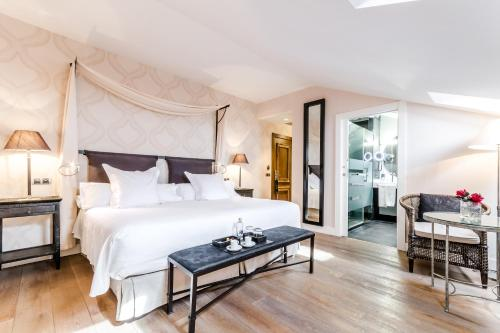 Double Room Grand Hotel Don Gregorio 14