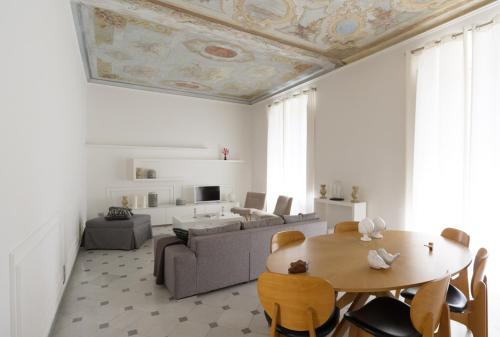 . Via Chiodo Luxury Apartment