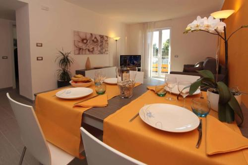 Apartamentos Residence Rivachiara (check-in at Hotel Riviera in Viale Rovereto, 95) thumb-2
