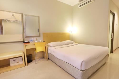 Triniti Hotel Batam photo 19