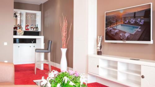 Semitronix Hotel Prishtina in Pristina, Kosovo - 200 reviews, price