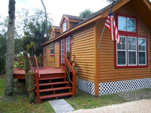 Crystal Isles Cabin 2 - Crystal River, FL 34429