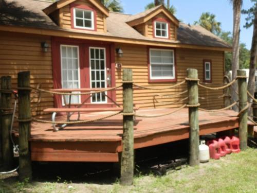 Crystal Isles Cabin 8