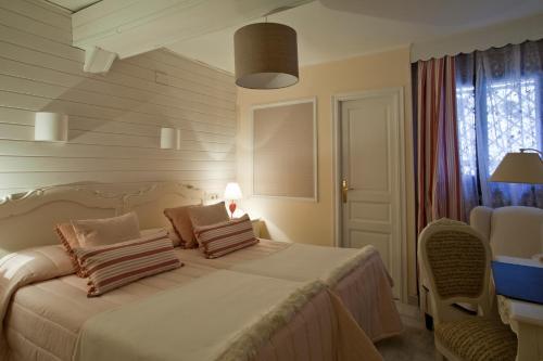 Double or Twin Room - single occupancy Hotel El Ciervo 10