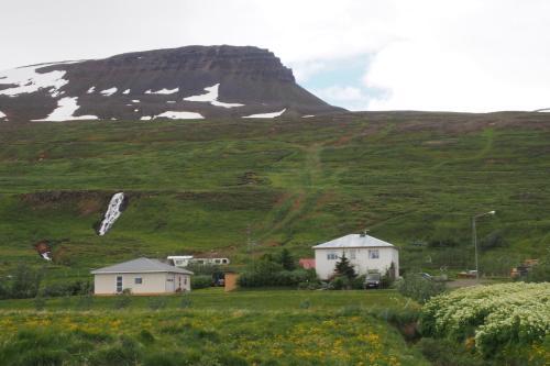Granastaðir Guesthouse - Accommodation - Granastaðir