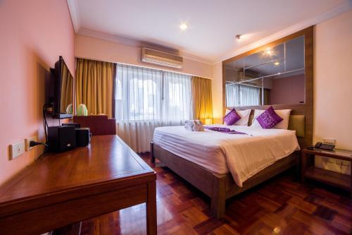 Triple 8 Inn Bangkok photo 24