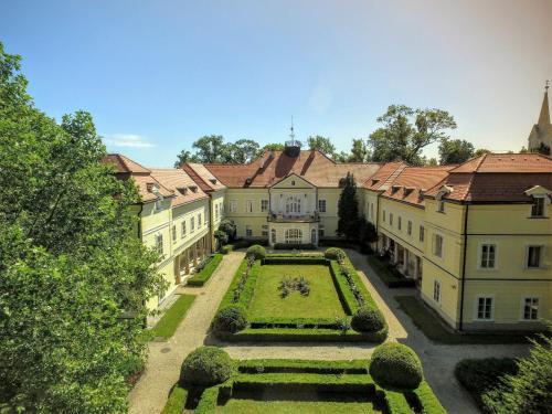Kasteel-overnachting met je hond in Szidónia Manor House - Röjtökmuzsaj