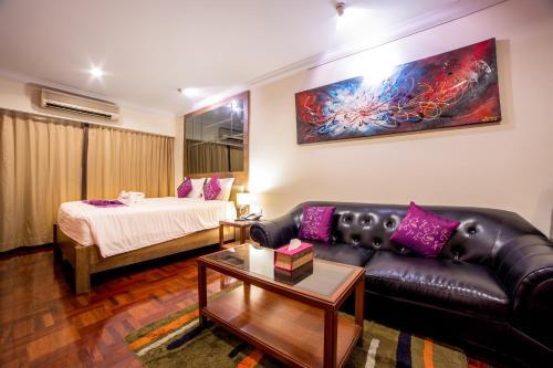 Triple 8 Inn Bangkok photo 28