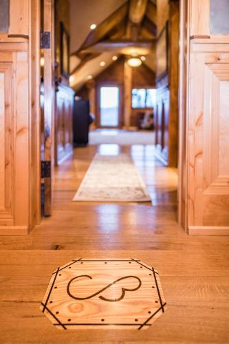 Coyote Bluff Estate - Somers, MT 59901