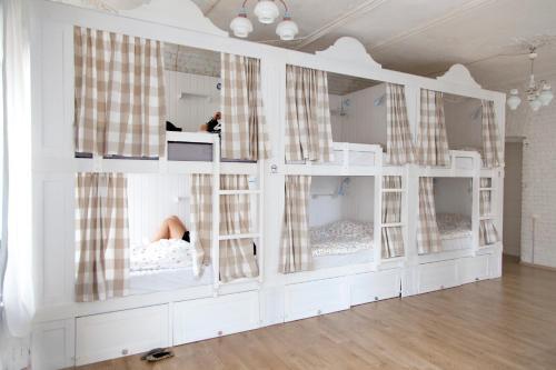 Soul Kitchen Hostel  Кровать в общем 8-местном номере