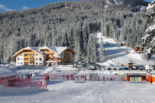 Wellness Hotel Lupo Bianco - Canazei di Fassa