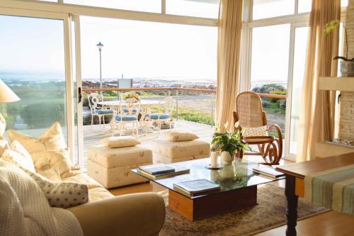 . 138 Marine Beachfront Guesthouse