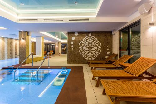 New Splendid Hotel And Spa   Adults Only  +16