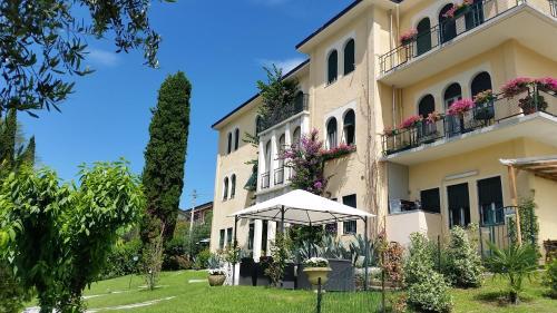 Hotel Le Terrazze Su Salo\' (Salò) da 60€ - Volagratis
